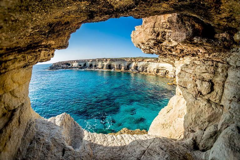 Ciprus március 1-jén újranyitja határait a turisták előtt